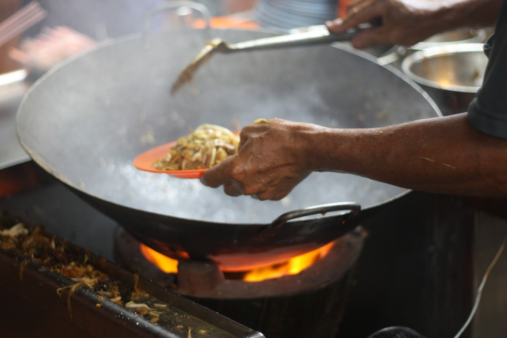 Char kway teow cooking